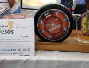 """Laboulaye: Busso entregó la """"Medalla de oro"""" a Lattay"""