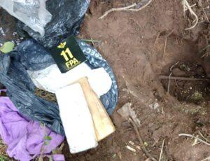 Laboulaye: La FPA Incautó dos ladrillos de marihuana enterrados en el fondo de un patio. 4 detenidos